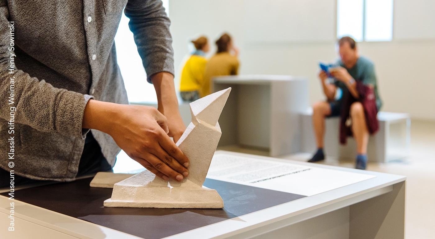 Maquette tactile d'un monument - bauhaus museum weimar