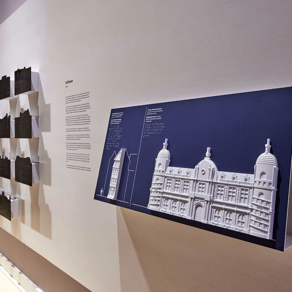 Taststation des Stammsitzes der Familie Rothschild und Fassade des Herrenhauses Waddesdon - © JMF, Norbert Miguletz