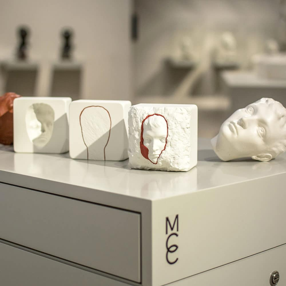 Visitors can discover at their fingertips the different types of molds used in the elaboration of a sculpture - © Abril Jimena Marin Barruecos